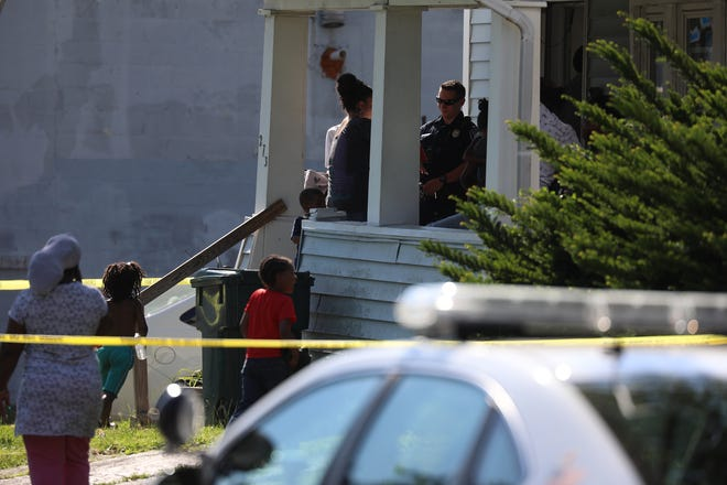 Rochester police investigate and Monroe County Examiner's Office responds to Fernwood Ave. for an unresponsive infant.