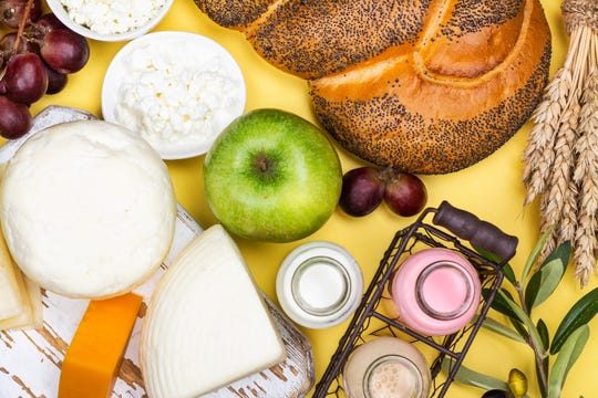 FODMAP containing foods include wheat, onions, milk, soft cheese, apples and honey.