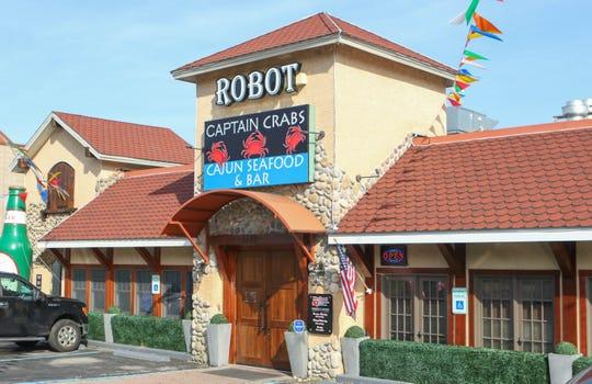 Sci Fi Meets Seafood At New Newark Robot Restaurant