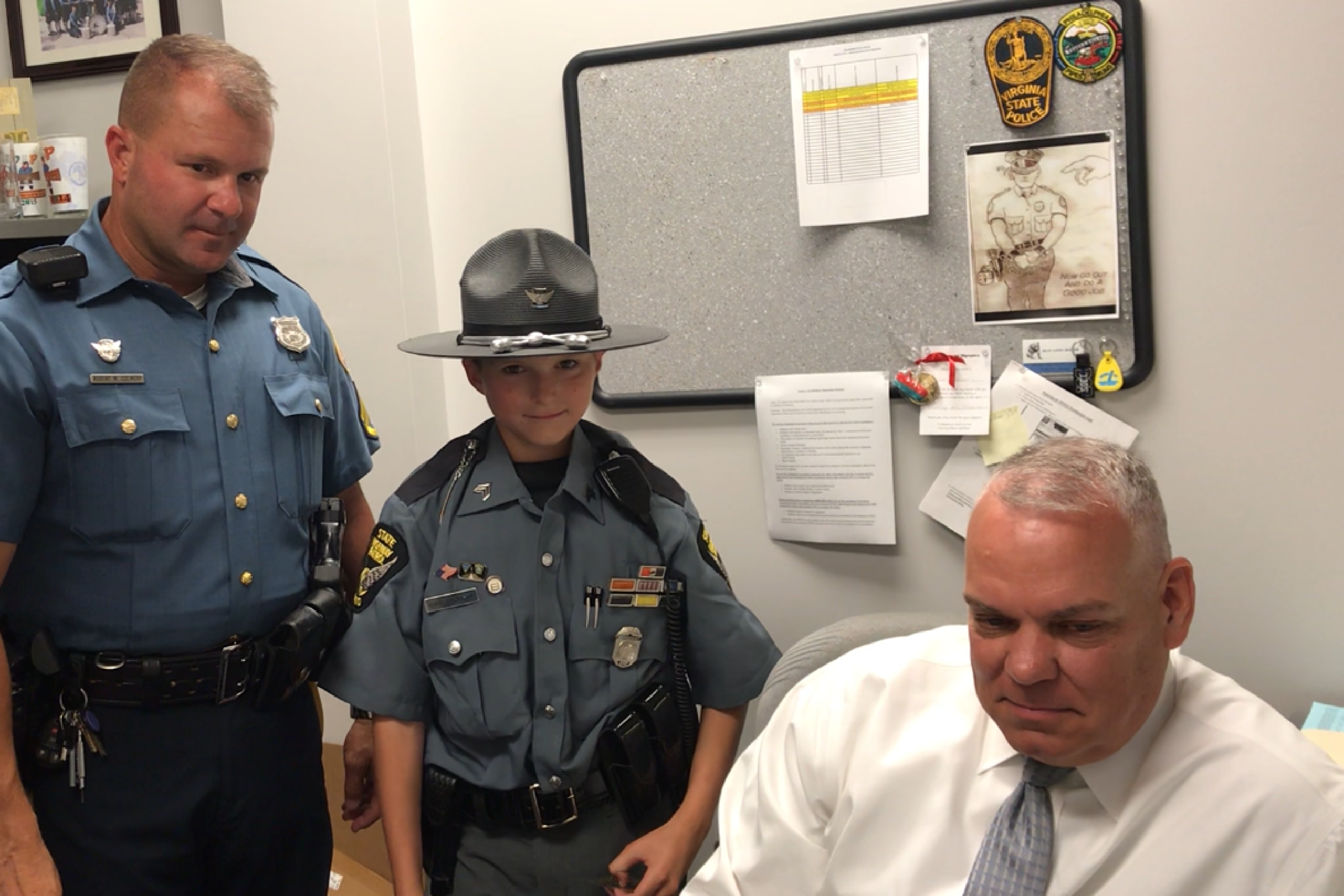 Michigan boy stops in Delaware on quest to meet police in 50