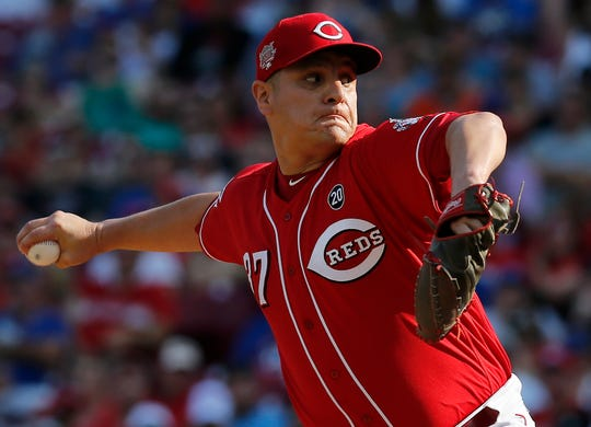 Cincinnati Reds relief pitcher David Hernandez' struggles point to the Reds' need to add to the bullpen.