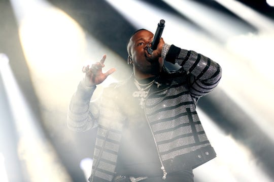 Yo Gotti is offering his Rolex and luxury tour bus as part of a charity effort to help in the fight against hunger.