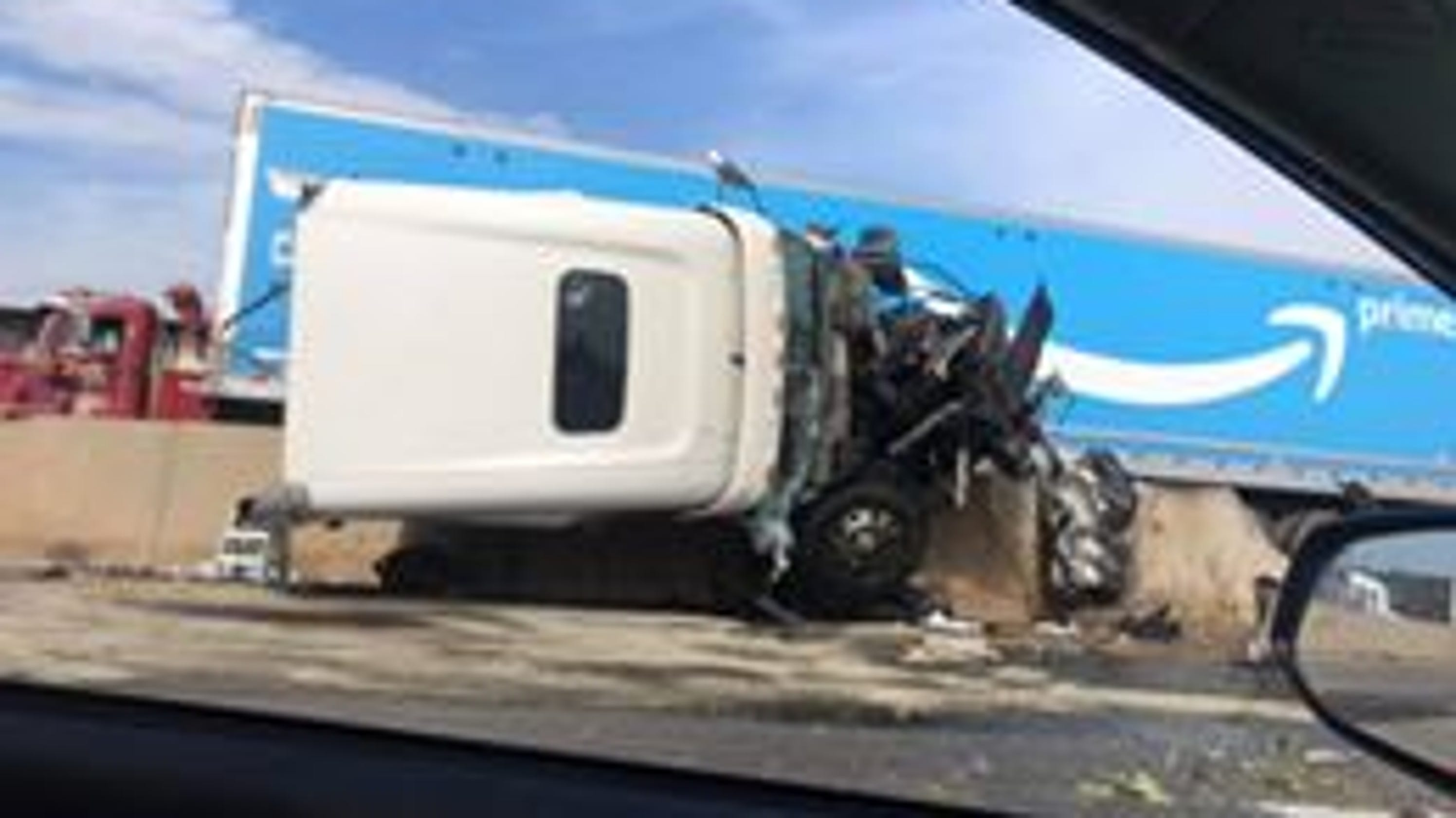 97810d0fa I-83 open after tractor-trailer crash in Manchester Township