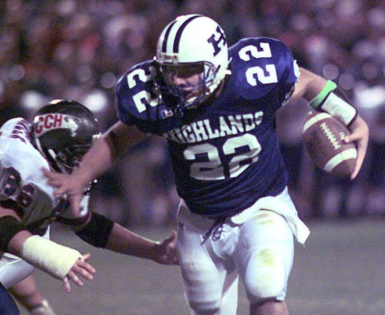 1998: Highlands QB Jared Lorenzen turns the corner for a big gain against Covington Catholic.