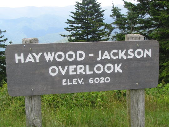The Richland Balsam Trail starts at the  Haywood-Jackson Overlook, Milepost 431 on the Blue Ridge Parkway.