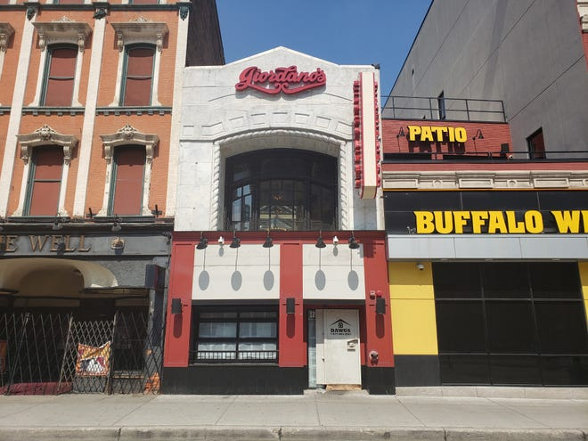 Giordano's, which served Chicago-style deep dish pizza in the heart of Detroit, shuttered in less than two years in business at 1224 Randolph.