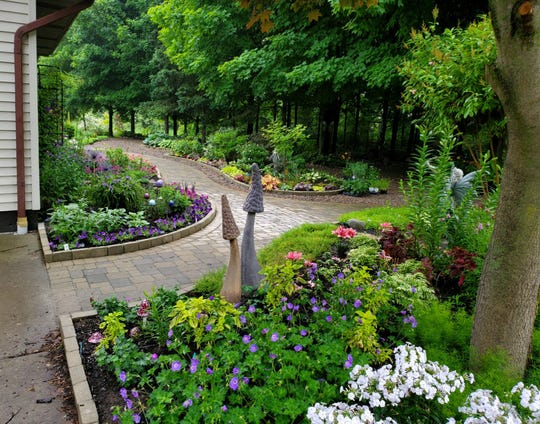 "Lynn O'Shaughnessy's ""Entryway to Joy"" is this week's winner of the Homestyle Garden Photo Contest."