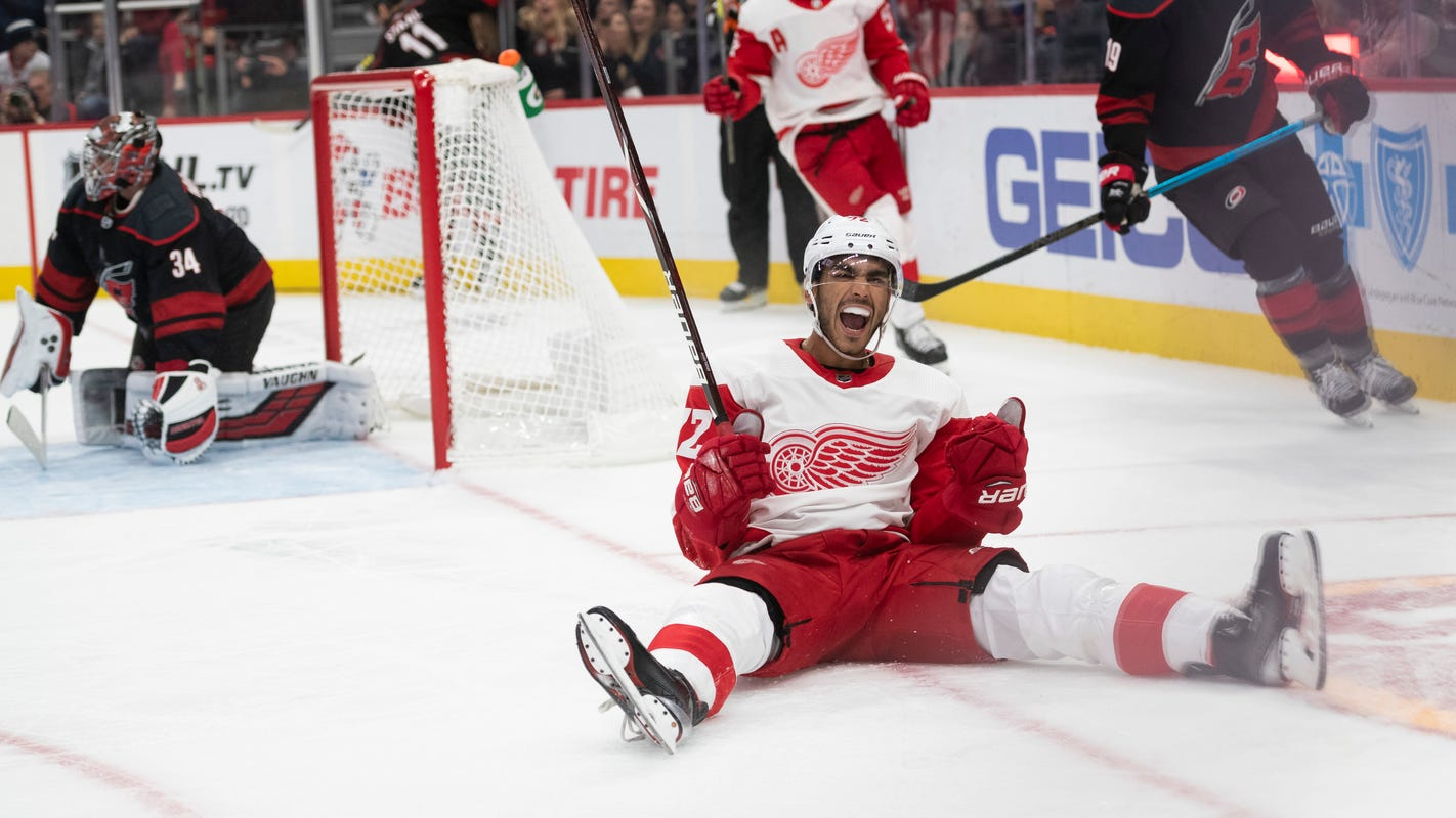 Return of Valtteri Filppula means Andreas Athanasiou will shift back to wing