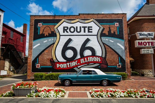 The world's largest Route 66 shield mural is in Pontiac, Ill.
