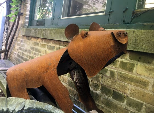 Rusty metal bear.