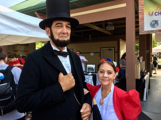 President Abraham Lincoln and First Lady Mary Todd Lincoln have accepted an invitation to visit the farmers market in downtown Farmington this weekend.