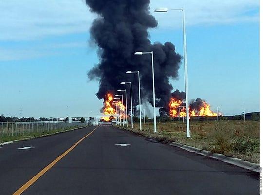 Autoridades de Celaya, Guanajuato, informaron sobre la explosión que se registró en un ducto de Pemex en la zona sur de la localidad.