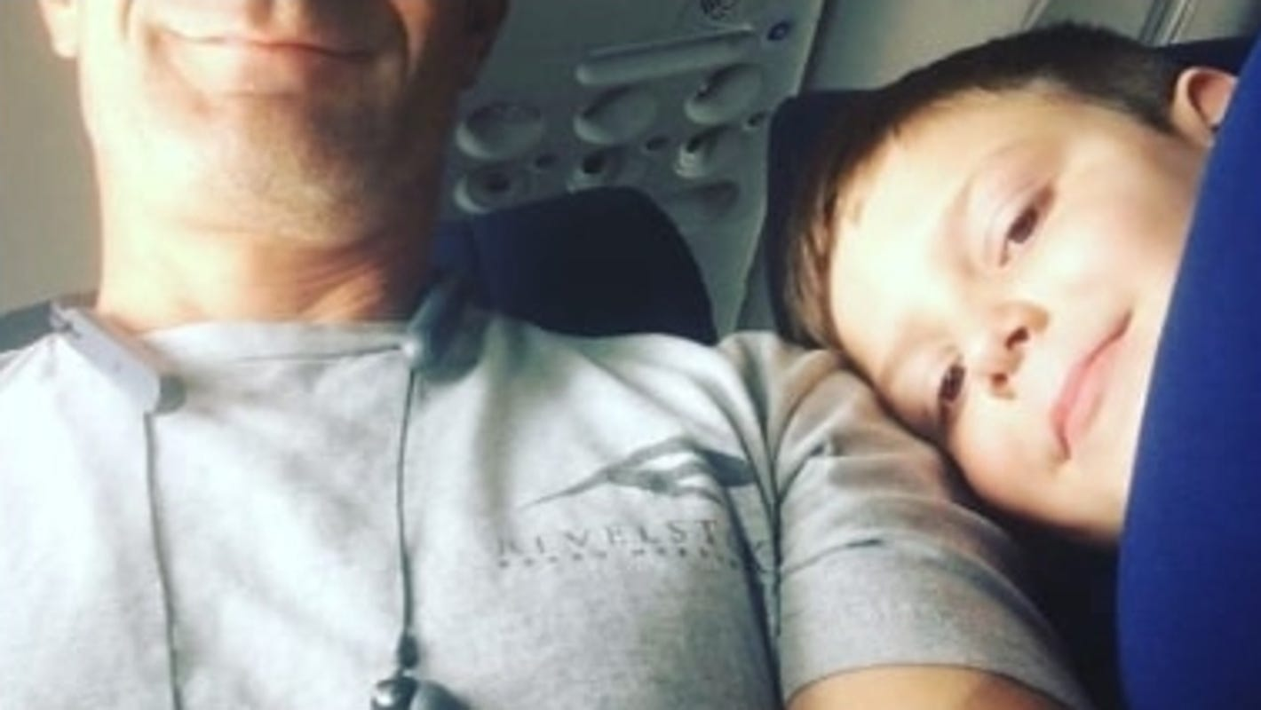 Mom sends son with autism on plane with $10 and a note. Son and seatmate become buddies