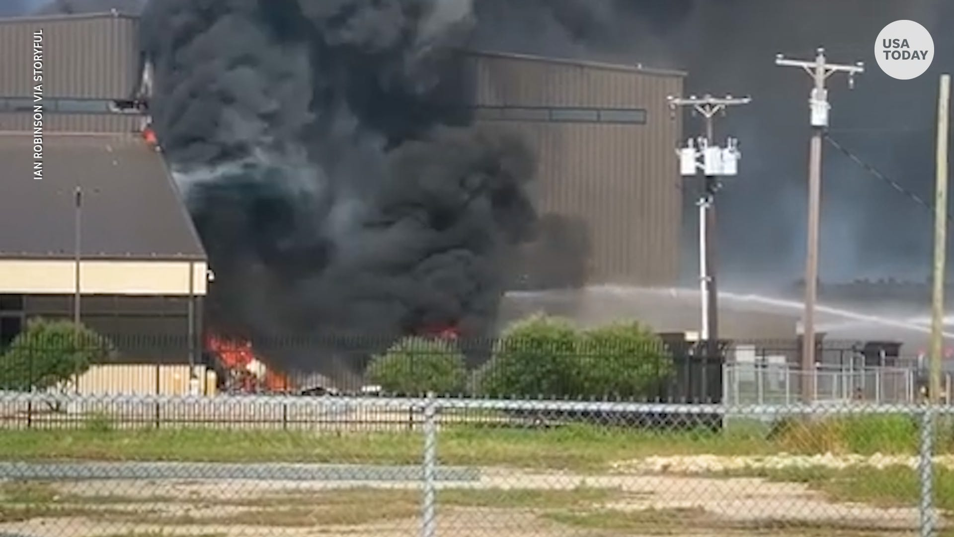 Texas plane crash: 10 killed in small plane accident at