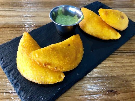 Empanadas de estilo colombiano ($ 7.99) de The Llama's House in Estero.