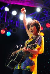 Country sing and songwriter, Pam Tillis, brings high energy to stages across the country.