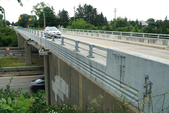 Farmington Hills commuters will have to find a way around the closure of Drake Road at M-5 as the bridge is slated for some renovation work in early July.
