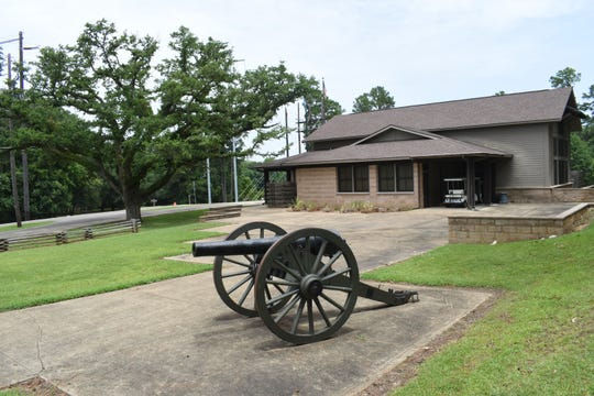 The visitor center at Forts Randolph & Buhlow State Historic Site houses a museum that tells the history of the Civil War in this area and of Central Louisiana.
