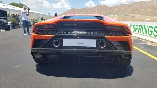 At 8000 RPM, the 2020 Lamborghini Huracan EVO's twin pipes let out a glorious wail.