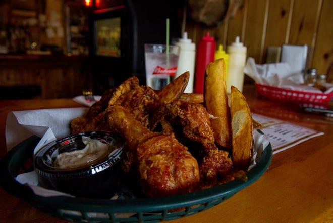 Fried chicken at the Buckhorn Bar