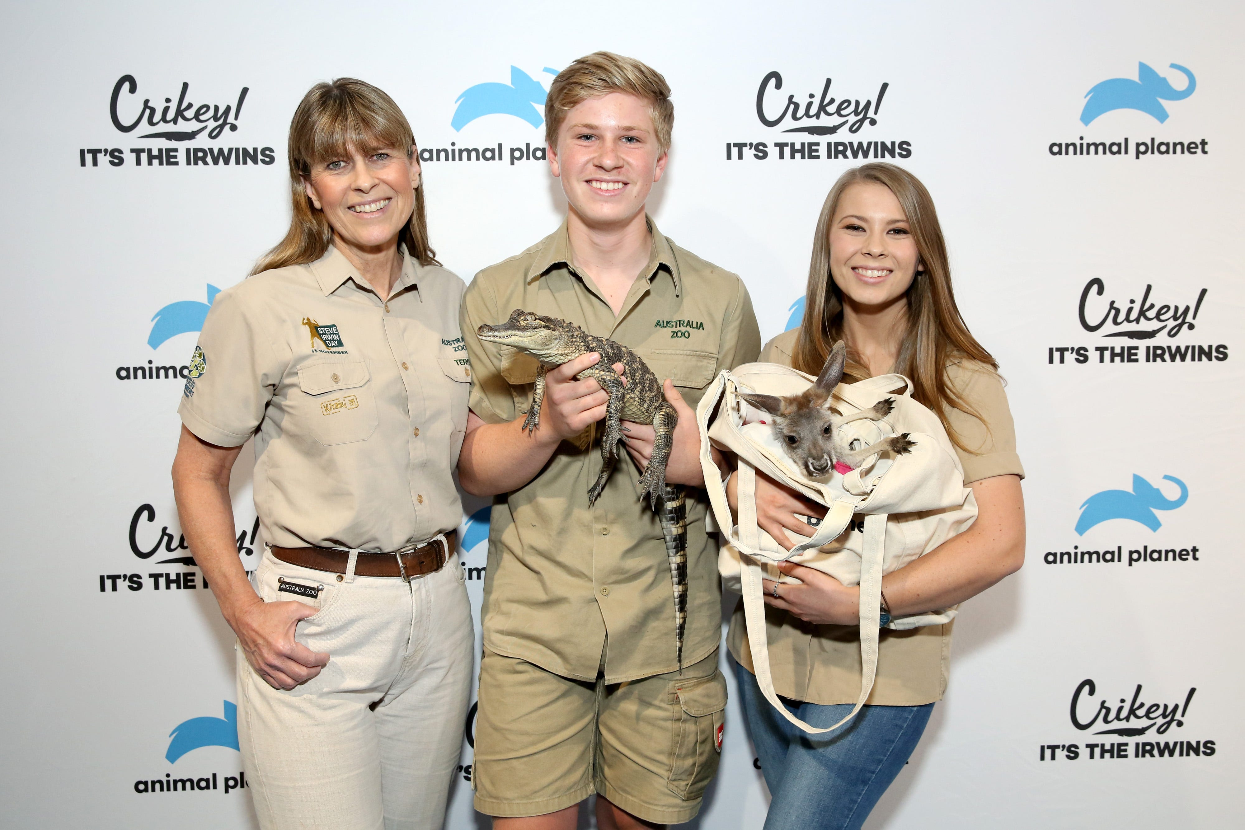 Steve Irwin S Teen Son Looks Just Like Him In A Near Identical Picture