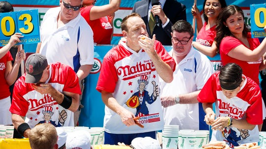 Hot dog champion Joey Chestnut blasts sportswriter for criticizing competitive eating