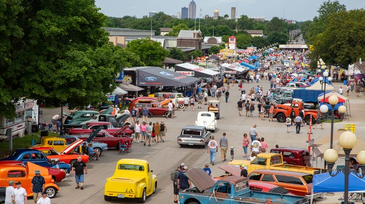Iowa jailer armed with handgun at Des Moines car show now facing charges