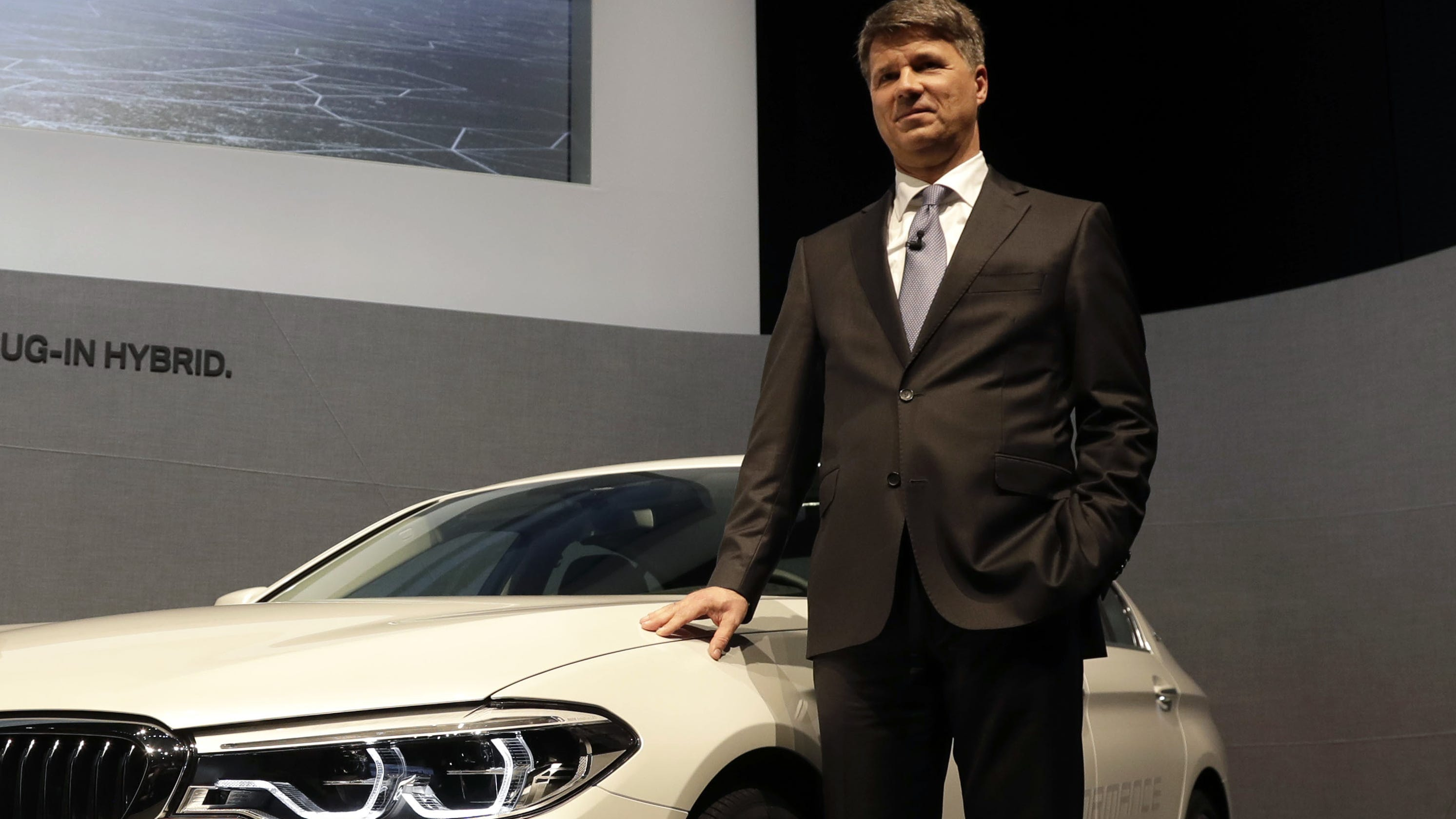 BMW CEO to step down in wake of disappointing earnings
