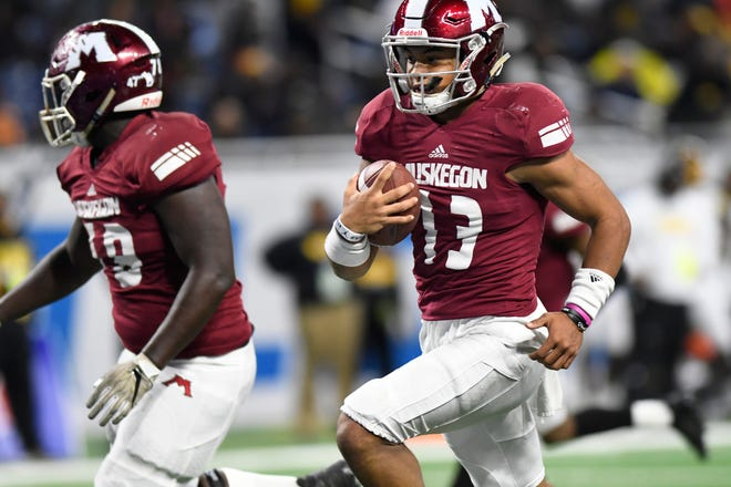 Muskegon's Cameron Martinez scored on runs of 1 and 11 yards and returned kick 90 yards for a touchdown in a 41-18 victory over Detroit King.
