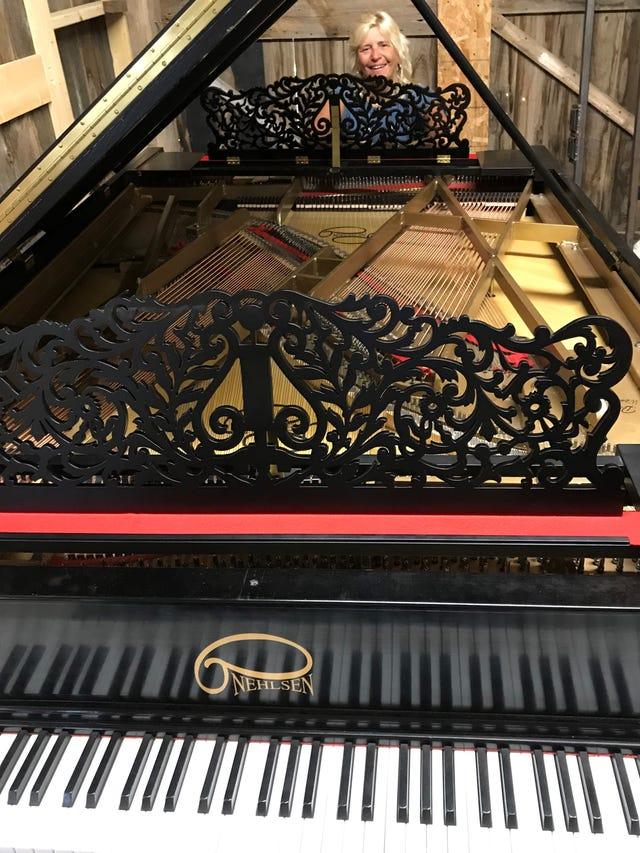 Egg Harbor: Double piano built on Washington Island