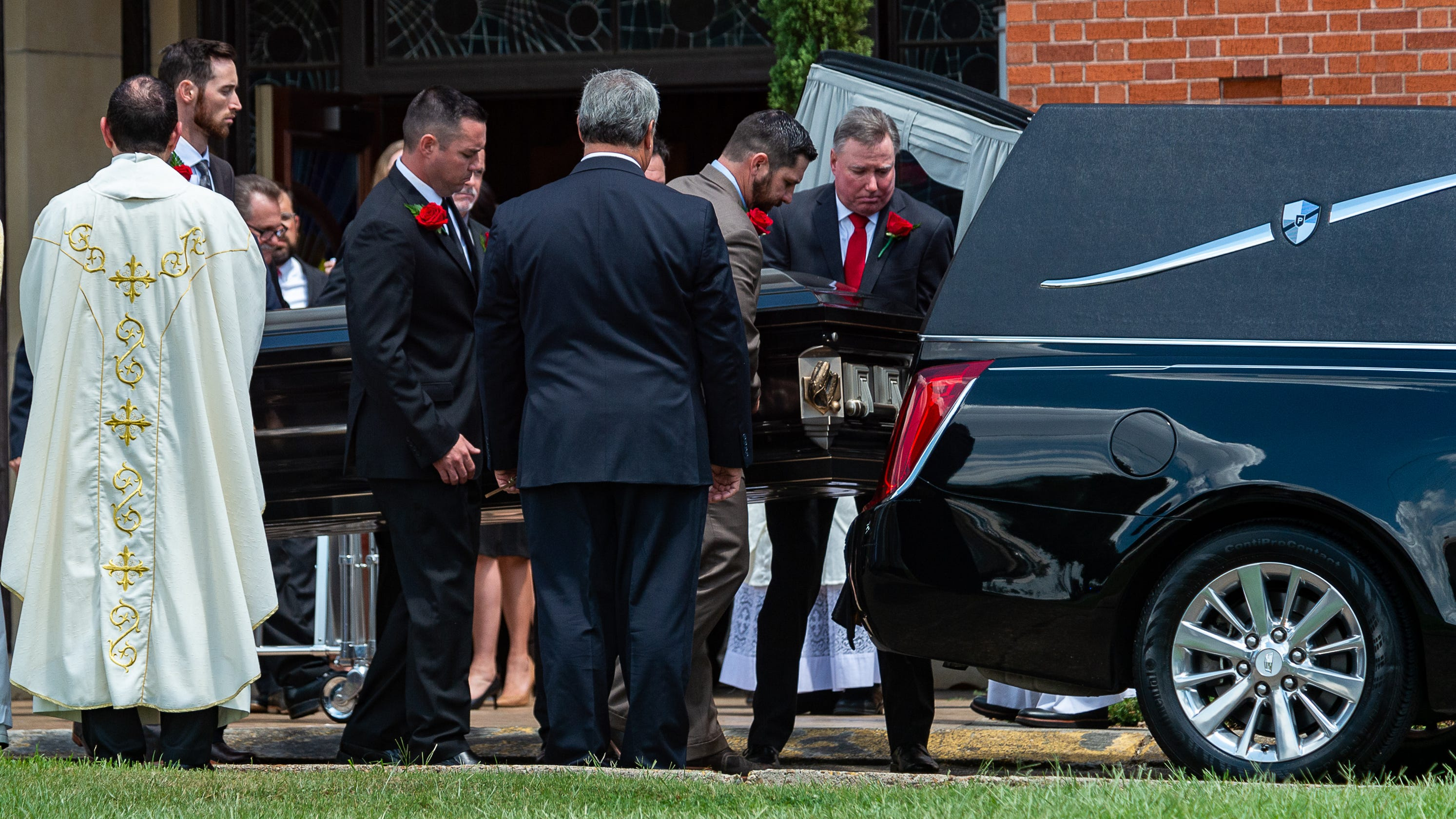 More than 1,200 remember UL coach Tony Robichaux at service