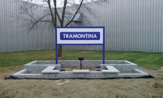 Tramontina sign