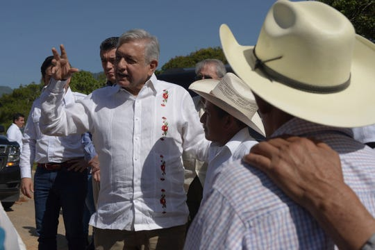 El presidente de México Andrés Manuel López Obrador en uno de sus recorridos.