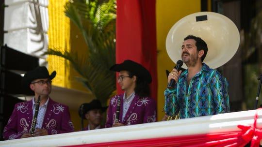 """A Flavio le gusta que """"El Zurdo Villa"""" cante."""