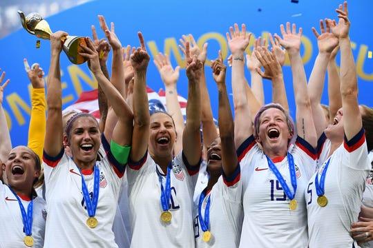 El conjunto de Estados Unidos festeja la conquista de la Copa del Mundo.