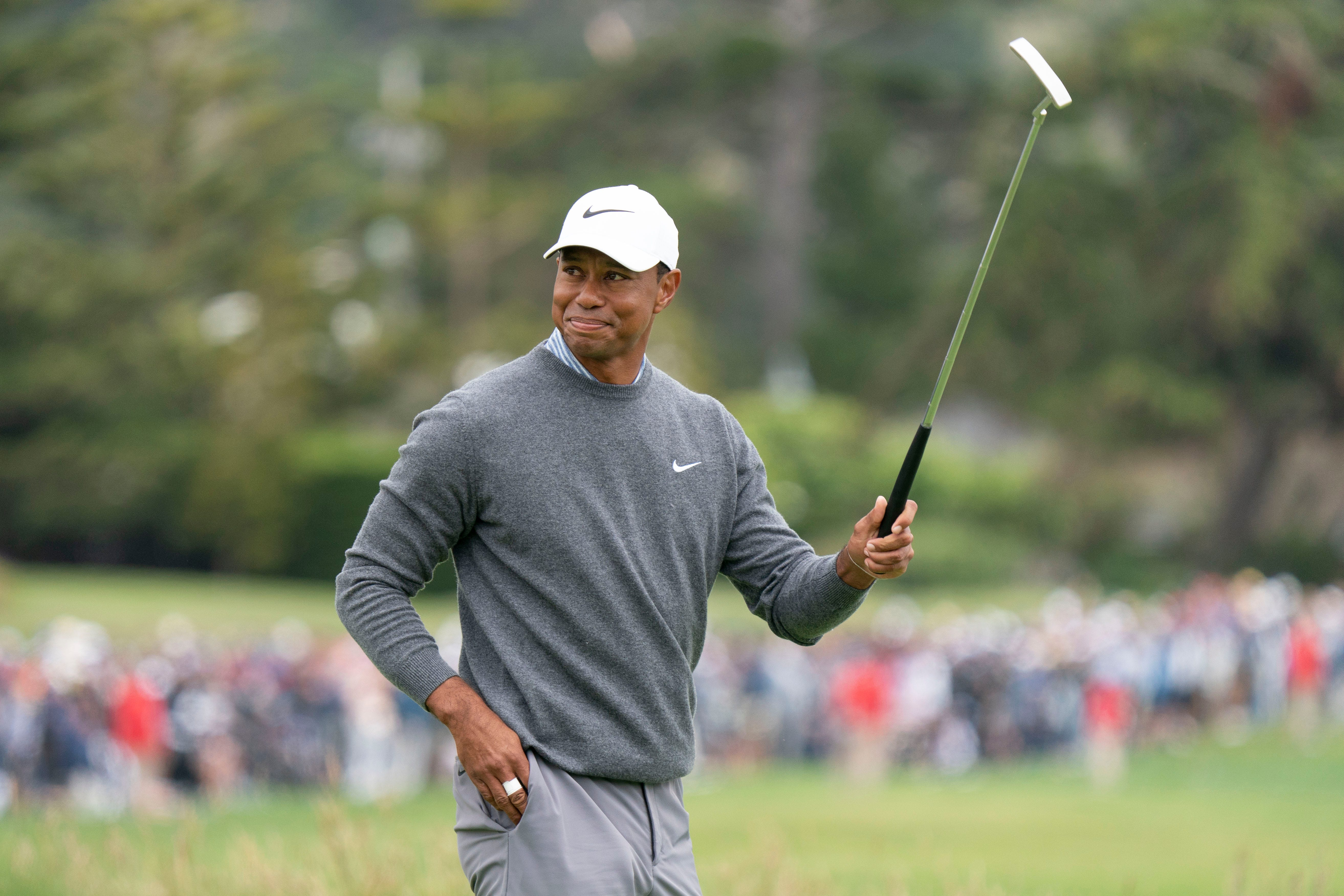 tiger woods rises early to prepare for british open at royal portrush