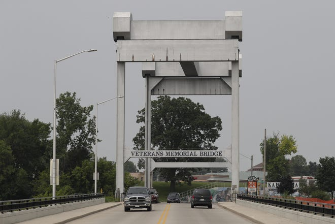 Traffic moves over the Veterans Memorial Bridge in Kaukauna. The lift mechanism of the bridge needs $2.2 million in repairs.
