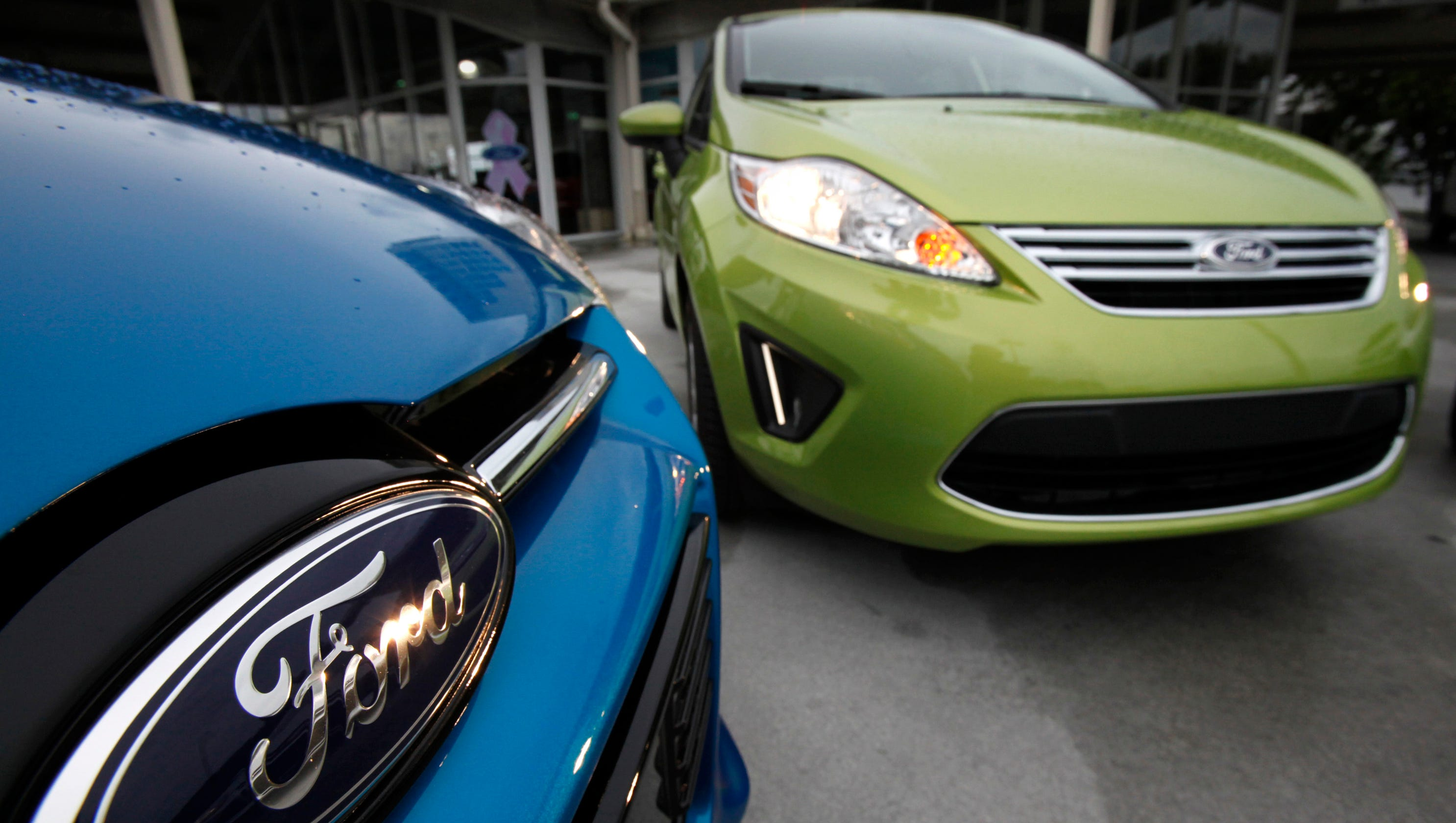 NHTSA says it's reviewing faulty Ford Focus, Fiesta transmissions