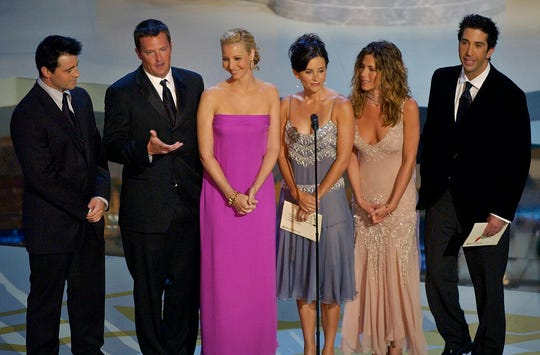 """In this Sept. 22, 2002, file photo the cast of television's """"Friends"""" appear during the 54th Annual Primetime Emmy Awards in Los Angeles."""