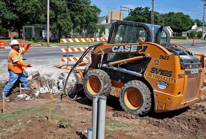 Construction to widen West Concho Avenue between South Koenigheim and South Randolph streets began Feb. 11.
