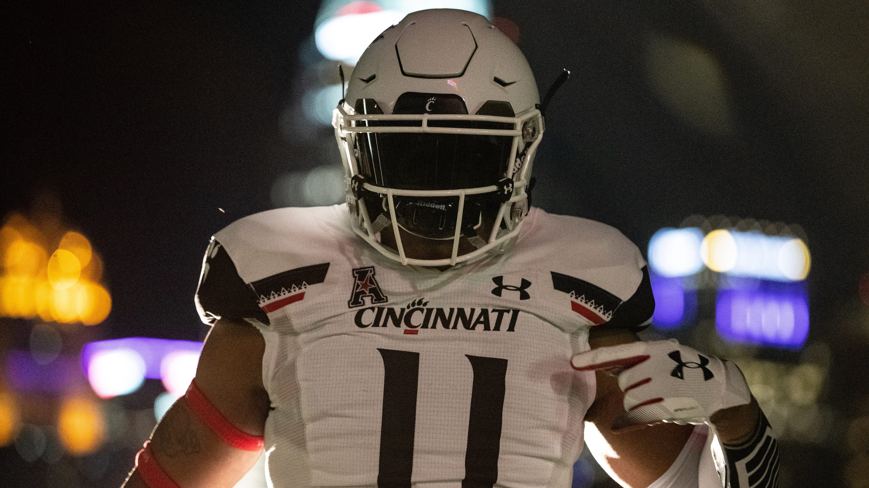 watch e65e9 95c4e New University of Cincinnati football uniforms unveiled