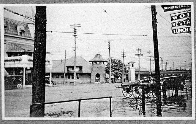 It was a gloomy day in Fremont in 1920 along Front Street.