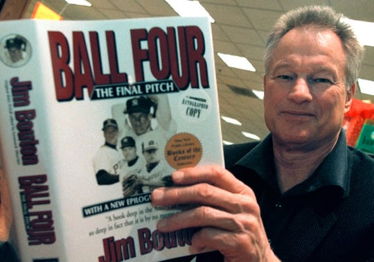"Former New York Yankees pitcher Jim Bouton signs copies of his new book, ""Ball Four: The Final Pitch"" November 27, 2000 at a Waldenbooks store in Schaumburg, IL. ""Ball Four: The Final Pitch"" is a new and final edition of his controversial 1970 book titled ""Ball Four"" that has sold more than five million copies worldwide."