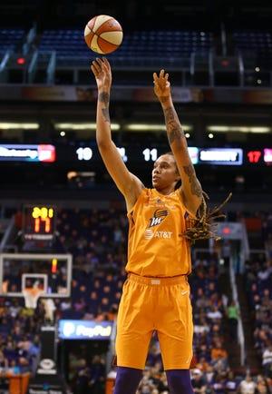 Phoenix Mercury center Brittney Griner led the team past the Washington Mystics.