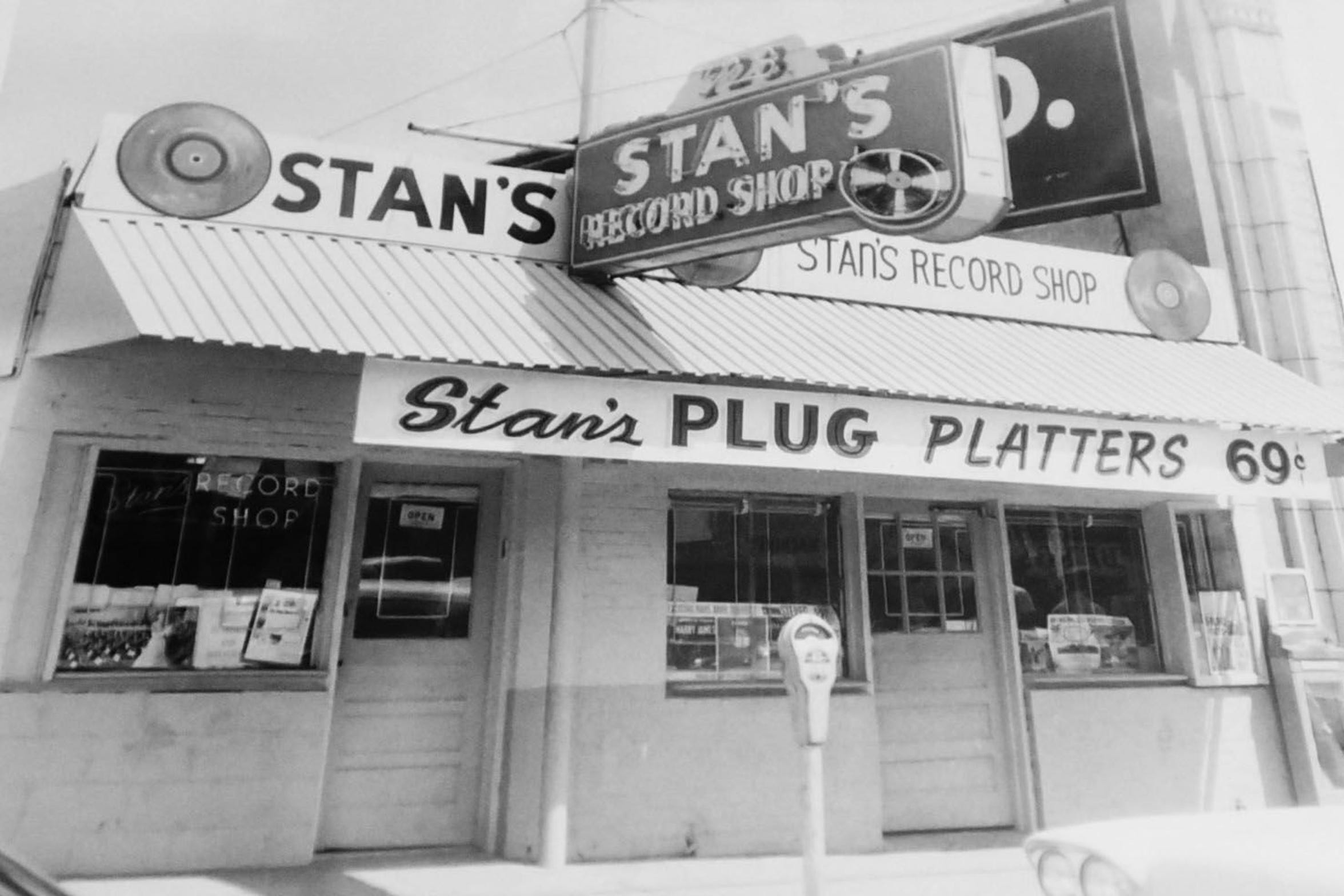 A black and white historic photo of Stan's Record Shop.