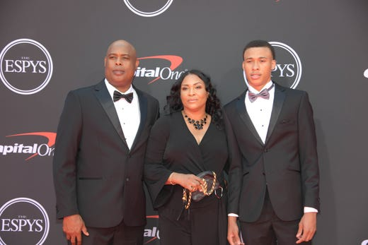 RJ Hampton (right), basketball player, mother Makita Hampton and father Rod Hampton Sr.
