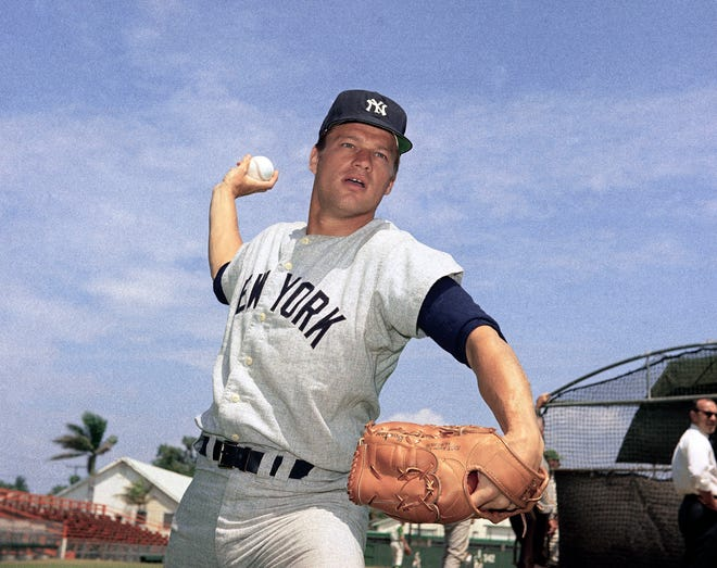 """Jim Bouton, the Yankees pitcher who shocked the conservative baseball world with the tell-all book """"Ball Four,"""" died Wednesday."""