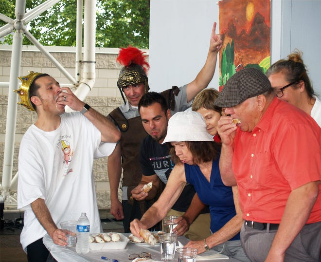 Who will be crowned this year's cannoli-eating champ at Festa Italiana?