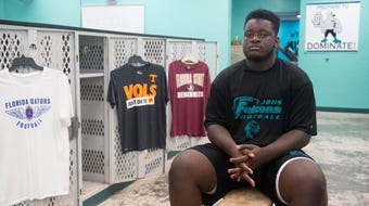 Senior Jensen Beach defensive tackle Manny Rogers, No. 2 on the TCPalm Super 11, announces his college choice between Florida, Florida State and Tennessee.