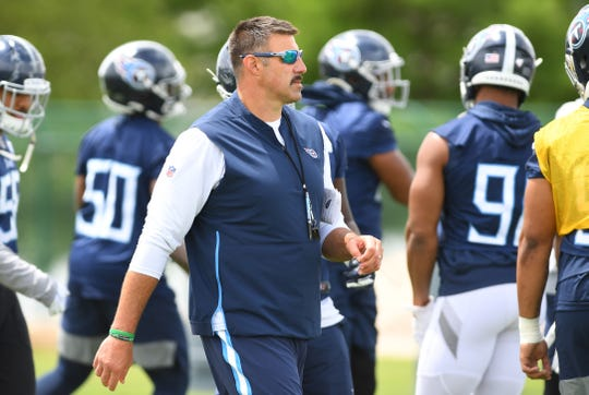 Mike Vrabel is set to begin his second year as coach of the Titans.